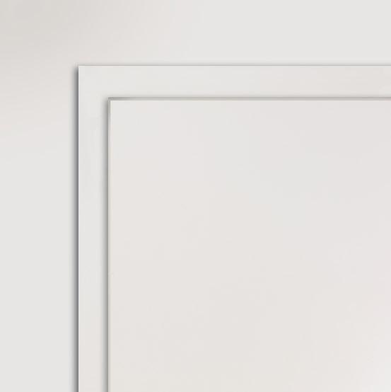 Die überfälzte Zimmertür steht deutlich aus dem Rahmen hervor