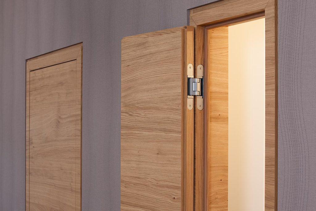 Das Simonswerk TECTUS-Band ist die optimale Lösung für die flächenbündige Installation von Innentüren.