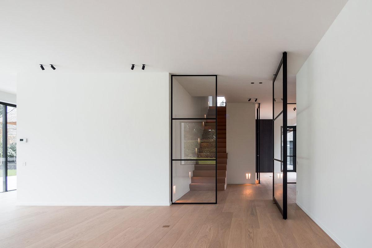Loft-Tür mit individuell konfigurierbarer Sprosseneinteilung